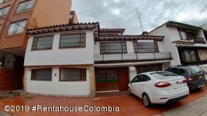 Edificio En Arriendoen Bogota, Santa Barbara Central, Colombia, CO RAH: 21-886