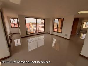 Apartamento En Arriendoen Chia, 20 De Julio, Colombia, CO RAH: 21-895