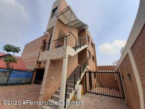 Apartamento En Ventaen Chia, 20 De Julio, Colombia, CO RAH: 21-910
