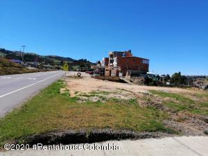 Terreno En Ventaen Villapinzon, Urbano, Colombia, CO RAH: 21-980