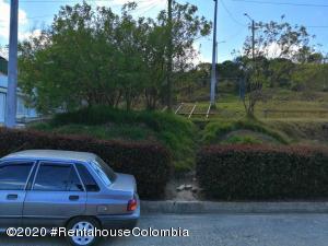 Terreno En Ventaen Villapinzon, Urbano, Colombia, CO RAH: 21-981