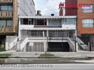 Casa En Arriendoen Bogota, Pasadena, Colombia, CO RAH: 21-957