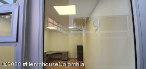 Oficina En Arriendoen Bogota, Santa Barbara Occidental, Colombia, CO RAH: 21-973