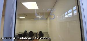 Oficina En Arriendoen Bogota, Santa Barbara Occidental, Colombia, CO RAH: 21-975