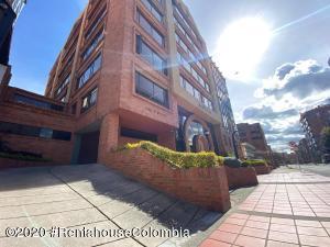Oficina En Ventaen Bogota, Chico, Colombia, CO RAH: 21-1042