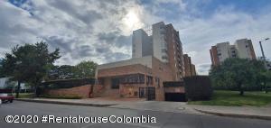 Apartamento En Ventaen Bogota, Colina Campestre, Colombia, CO RAH: 21-1093
