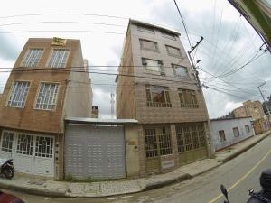Casa En Ventaen Bogota, Suba Salitre, Colombia, CO RAH: 21-1122