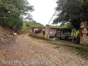 Terreno En Ventaen Anapoima, El Guanabano, Colombia, CO RAH: 21-209