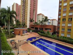 Apartamento En Ventaen Medellin, Altamira, Colombia, CO RAH: 21-1130