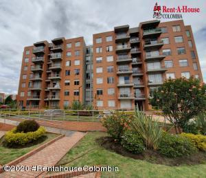Apartamento En Ventaen Bogota, La Campina Suba, Colombia, CO RAH: 21-1131