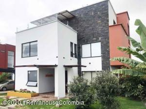 Casa En Ventaen Cota, Vereda El Abra, Colombia, CO RAH: 21-1146