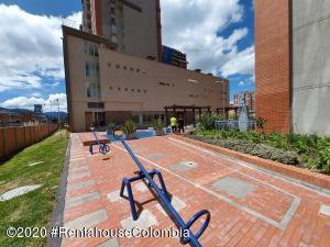 Apartamento En Arriendoen Bogota, Santa Teresa, Colombia, CO RAH: 21-1151