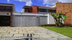Casa En Arriendoen Bogota, Puente Largo, Colombia, CO RAH: 21-1154