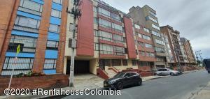 Apartamento En Ventaen Bogota, Quinta Paredes, Colombia, CO RAH: 21-1158