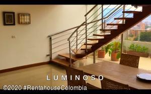 Apartamento En Ventaen Envigado, Loma Del Esmeraldal, Colombia, CO RAH: 21-1173