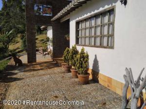 Terreno En Ventaen La Ceja, Vereda El Uchuval, Colombia, CO RAH: 21-1184