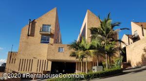 Casa En Ventaen Bogota, Chapinero Alto, Colombia, CO RAH: 21-1259
