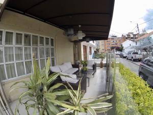 Casa En Arriendoen Bogota, Alhambra, Colombia, CO RAH: 21-1191
