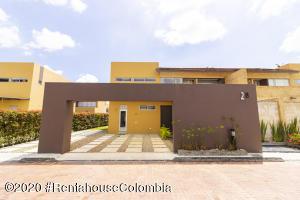 Casa En Ventaen Cajica, El Tejar, Colombia, CO RAH: 21-1202