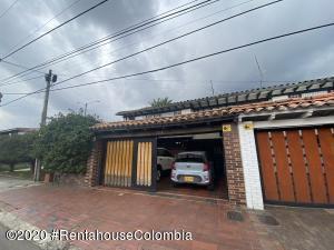 Casa En Ventaen Bogota, Recodo Del Country, Colombia, CO RAH: 21-1209