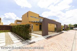 Casa En Ventaen Cajica, El Tejar, Colombia, CO RAH: 21-1204