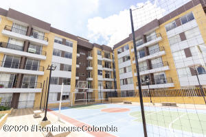 Apartamento En Ventaen Cajica, Sector El Bohio, Colombia, CO RAH: 21-1205