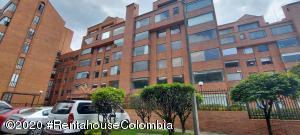 Apartamento En Arriendoen Bogota, Club Los Lagartos, Colombia, CO RAH: 21-1193