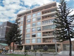 Apartamento En Arriendoen Bogota, La Carolina, Colombia, CO RAH: 21-1239
