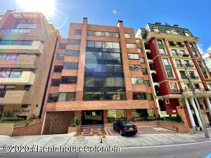 Apartamento En Arriendoen Bogota, Los Rosales, Colombia, CO RAH: 21-1247