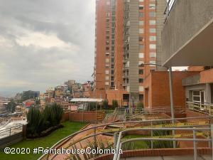 Apartamento En Arriendoen Bogota, Chapinero Alto, Colombia, CO RAH: 21-1258