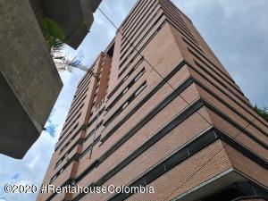 Apartamento En Ventaen Medellin, Centro La Candelaria, Colombia, CO RAH: 21-1301