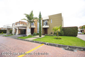 Casa En Ventaen Chia, Vereda Bojaca, Colombia, CO RAH: 21-1311