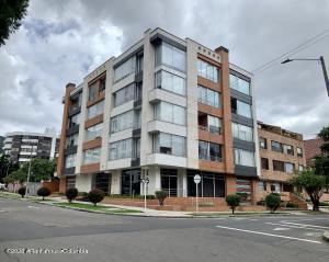 Apartamento En Ventaen Bogota, Santa Barbara Central, Colombia, CO RAH: 21-1353