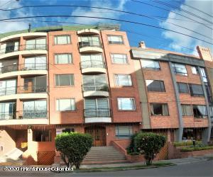Apartamento En Arriendoen Bogota, El Batán, Colombia, CO RAH: 21-1305