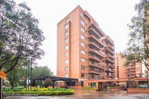 Apartamento En Ventaen Bogota, Salitre Occidental, Colombia, CO RAH: 21-1348