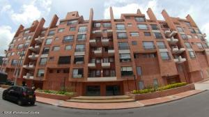 Apartamento En Arriendoen Bogota, Rincón Del Chicó, Colombia, CO RAH: 21-1354