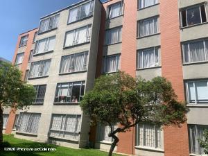 Apartamento En Arriendoen Bogota, Niza Norte, Colombia, CO RAH: 21-1355