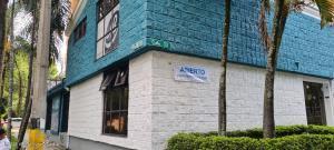 Consultorio En Ventaen Medellin, Laureles, Colombia, CO RAH: 21-1359