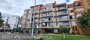 Apartamento En Arriendoen Bogota, Santa Barbara Central, Colombia, CO RAH: 21-1370