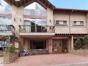 Casa En Ventaen Chia, Sabana Centro, Colombia, CO RAH: 21-1377