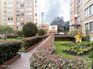 Apartamento En Arriendoen Bogota, Salite Oriental, Colombia, CO RAH: 21-1409