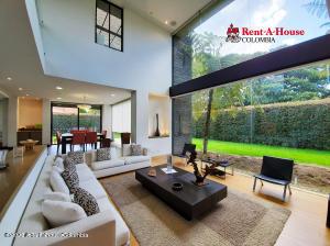 Casa En Arriendoen Bogota, Casa Blanca Suba, Colombia, CO RAH: 21-1389