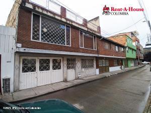 Casa En Ventaen Bogota, San Jose Fontibon, Colombia, CO RAH: 21-1406