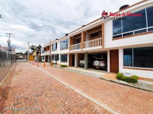 Casa En Ventaen Tena, Tena, Colombia, CO RAH: 21-1414