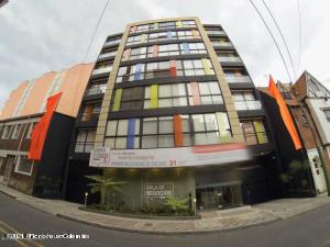 Apartamento En Arriendoen Bogota, Chapinero Central, Colombia, CO RAH: 21-1417