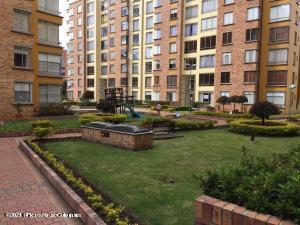 Apartamento En Ventaen Bogota, Ciudad Salitre Nor Oriental, Colombia, CO RAH: 21-1424