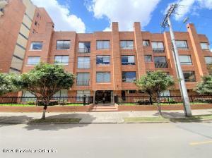 Apartamento En Arriendoen Bogota, Chico Norte, Colombia, CO RAH: 21-1426