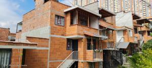 Casa En Ventaen Medellin, Robledo, Colombia, CO RAH: 21-1429