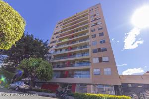 Apartamento En Arriendoen Bogota, Cedritos, Colombia, CO RAH: 21-1439