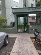 Apartamento En Ventaen Medellin, Santa Monica, Colombia, CO RAH: 21-1459